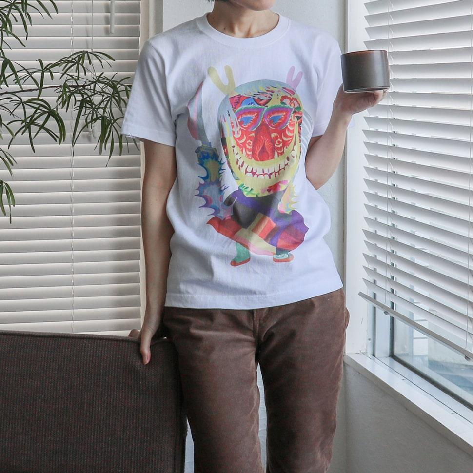 秋田人形道祖神 ナマハゲTシャツ ホワイト Sサイズの着用写真